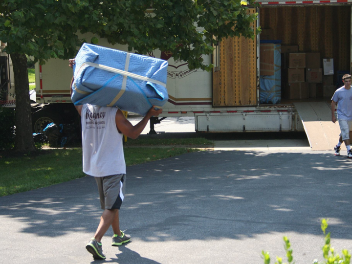 11 Tips For Stress-Free Moving During The Winter