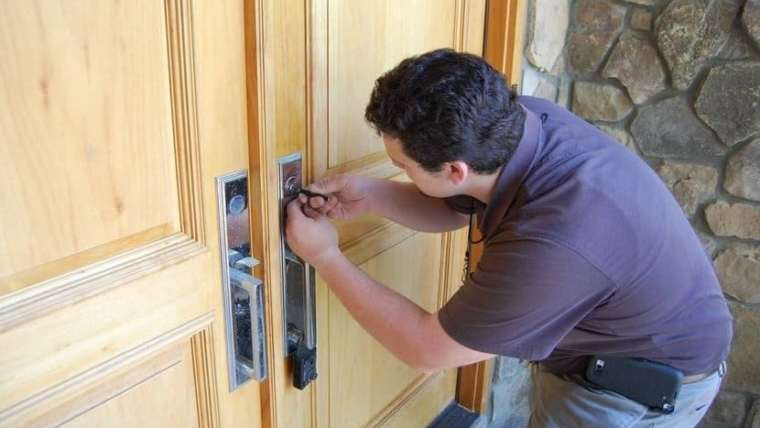 Rekey vs. Replacing Locks: What's The Difference?