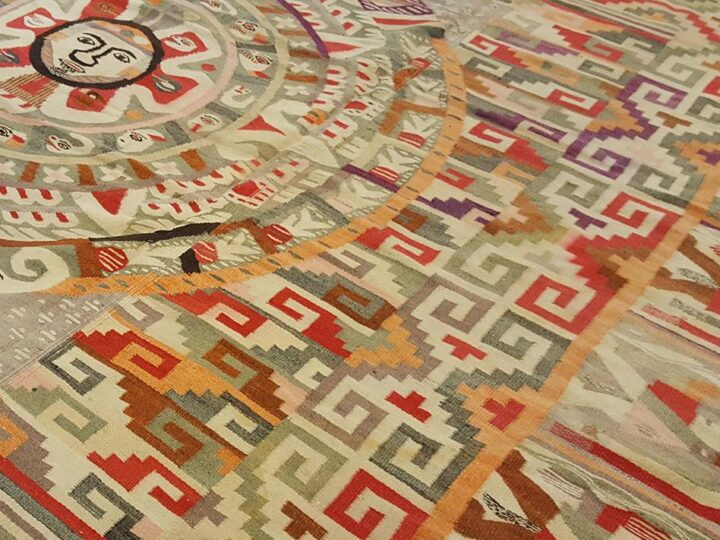 How to Design Your Very Own Custom Carpet and Rug for Your Home?
